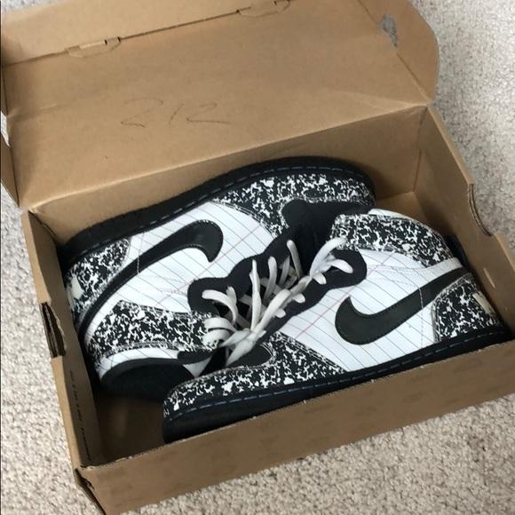 Nike Shoes - Nike notebook shoes kids size 3 / women 5